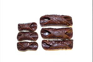 P24 P25 Large and Small Chocolate Cannoli